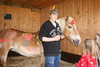 Foto: Horse-Painting beim Internationalen Familienfest.
